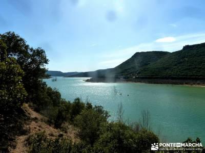 Cañón del Río Salado; Embalse El Atance; puente del pilar cerezos en flor castillo de coca fedme
